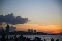 13 11 2014 - Offentlig strand och semesterortstaden av Pattaya, Thaila Fotografering för Bildbyråer