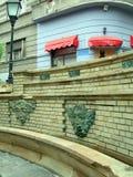 Offentlig vattenspringbrunn för att dricka eller att bada den historiska turisten Royaltyfri Fotografi
