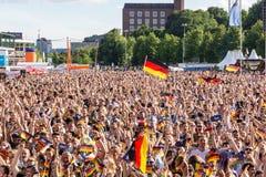 Offentlig visning för fotboll under Kiel Week 2016, Kiel, Tyskland Royaltyfri Foto