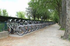 Offentliga cyklar i Paris Fotografering för Bildbyråer