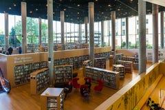 Offentligt bibliotekinre Fotografering för Bildbyråer