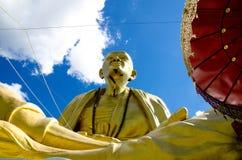 Offentligt den stora statyn av krubaen Siwichai Royaltyfria Bilder