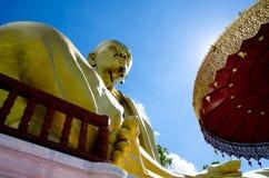 Offentligt den stora statyn av krubaen Siwichai Arkivfoto