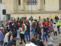 Offer av våld och studenter i protest i Bogota, Colombia Arkivfoto