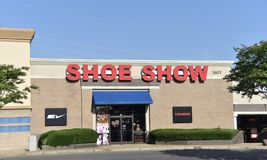 Shoe Show Store, Memphis, TN. We offer a personalized fitting experience to help you select the right shoe for you - whether to stand at work, head to the gym stock images