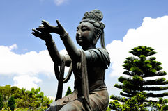 Offerer to the Giant Buddha Royalty Free Stock Photography
