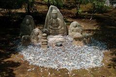 Offerti per lapidare gli idoli, Kyoto, Giappone fotografia stock libera da diritti