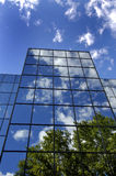 Office Building. Reflecting sky and clouds Royalty Free Stock Photography