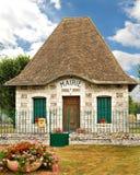Office de un alcalde pintoresco en Francia Imagen de archivo libre de regalías