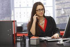 Office portrait of working businesswoman Royalty Free Stock Photography