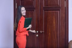 Office worker going to work with a folder of documents Royalty Free Stock Photography