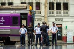 Officiell eskortfartyg för drev av järnvägen av Thailand arkivfoton