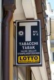Officiell italiensk tobak och lotterit shoppar tecknet Fotografering för Bildbyråer