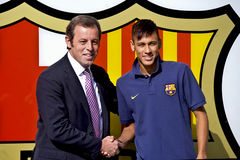 Officiell presentation för Neymar Jr som FC Barcelonaspelaren royaltyfri fotografi