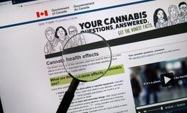 Officiell webbsida på regering av den Kanada platsen om cannabis royaltyfri bild