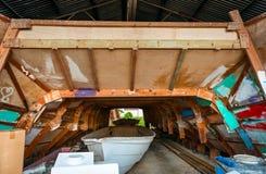 Officina fatta a mano della costruzione della barca Fotografia Stock