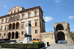 Offida middeleeuwse stad in centraal Italië stock fotografie