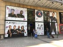 Offizieller Shop PSG auf Les Champs-Elysees Paris Frankreich Stockfotografie