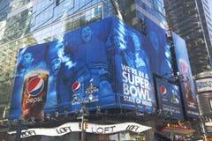 Offizielles alkoholfreies Getränk Pepsis der Anschlagtafel des Super Bowl XLVIII auf Broadway während der Woche des Super Bowl XLV Lizenzfreie Stockfotos