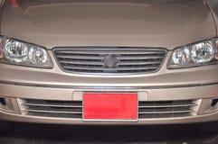 Offpeak pojazd tablica rejestracyjna która jest czerwona w kolorze zdjęcia royalty free