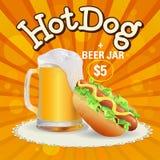 Offre de bière et de hot-dogs Photos libres de droits