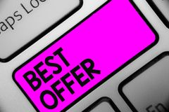 Offre des textes d'écriture de Word la meilleure Concept d'affaires pour pour convaincre quelqu'un en rendant toute la grandeur v photos stock