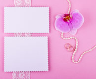 Offre réglée dans des tons roses et pourpres Photos libres de droits