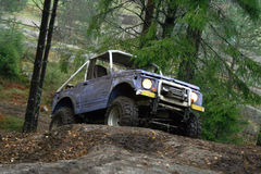 Offroad. 4x4 car on the rock Royalty Free Stock Photography