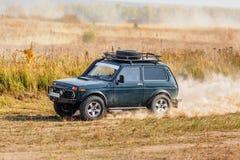 Offroad pojazd na zlotnej rywalizaci Fotografia Stock