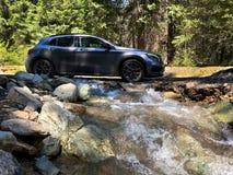 Offroading dans le nord cascade des montagnes photographie stock