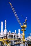 Offshoreöl und Anlagenplattform stockbilder