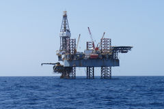 Offshore Jack Up Rig and The Production Platform Royalty Free Stock Images