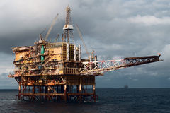 Free Offshore  Oil Rig Stock Photography - 15479782