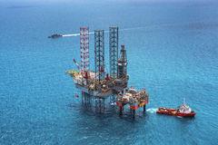 Offshore oil rig drilling platform. In the gulf of Thailand 2015 Stock Image