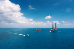 Offshore oil rig drilling platform. In the gulf of Thailand Royalty Free Stock Images