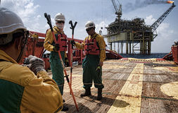 Offshore worker at south angsi lifting operation Royalty Free Stock Photos
