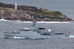 Offshorepatrouillenschiff OPV HTMS Krabi OPV-551 der k?niglichen thail?ndischen Marine Abreisesydney harbor lizenzfreie stockbilder
