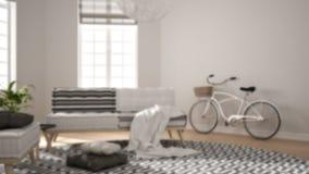 Offuschi l'interior design del fondo, il salone minimalista scandinavo con le grandi finestre, la poltrona ed il tappeto, interio illustrazione vettoriale