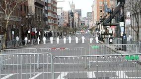 Oficery śledczy na Boylston ulicie w Boston, usa, zdjęcie wideo