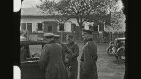 Oficiais alemães altos que encontram-se na parte dianteira oriental