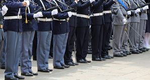 oficiais armados da polícia italiana no uniforme durante o parad Fotografia de Stock