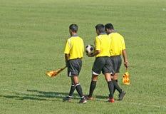 Oficiais do futebol Fotos de Stock