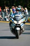 Oficial de polícia canadense em uma bicicleta do motor Fotografia de Stock Royalty Free