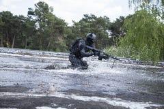 Oficial de policía de los ops de espec. Fotos de archivo