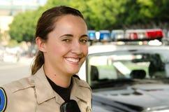 Oficial de policía de sexo femenino Foto de archivo libre de regalías