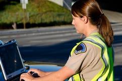 Oficial de policía de sexo femenino Imagen de archivo libre de regalías