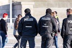 Oficiales de policía alemanes imagenes de archivo