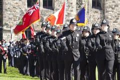 Oficiales de policía canadienses en la colina del parlamento Imagen de archivo