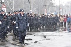 Oficiales de policía de los militares y en un evento nacional Fotos de archivo