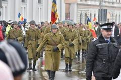 Oficiales de policía de los militares y en un evento nacional Foto de archivo libre de regalías